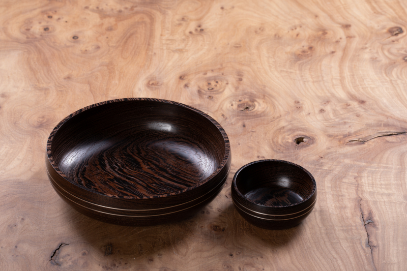 Små skåle i wenge med sølvindlæg